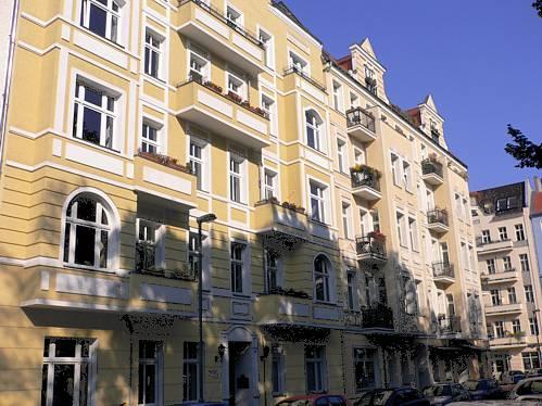 Wohn- und Geschäftshäuser in Berlin-Friedrichshain Gebaut um 1900, Sanierung 1998 / Umwandlung in Wohnungseigentum