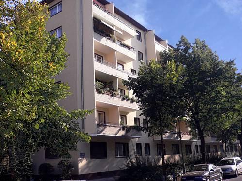 Wohnhaus in Berlin-Wilmersdorf Öffentlich gefördert gebaut 1956 / Umwandlung in Wohnungseigentum