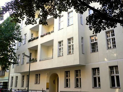 Wohn- und Geschäftshaus in Berlin-Charlottenburg  Berg Gebaut um 1900, Sanierung 1998 / Umwandlung in Wohnungseigentum